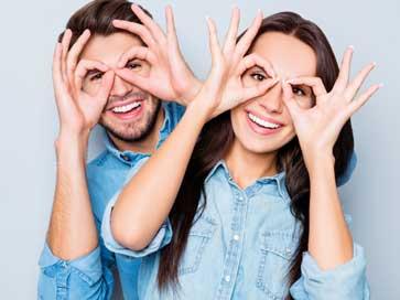 מאמר על המשקפיים דרכם אנו מסתכלים וחווים אהבה | ליאורה גרינהאוס מטפלת זוגית טיפול זוגי בשיטת האימגו